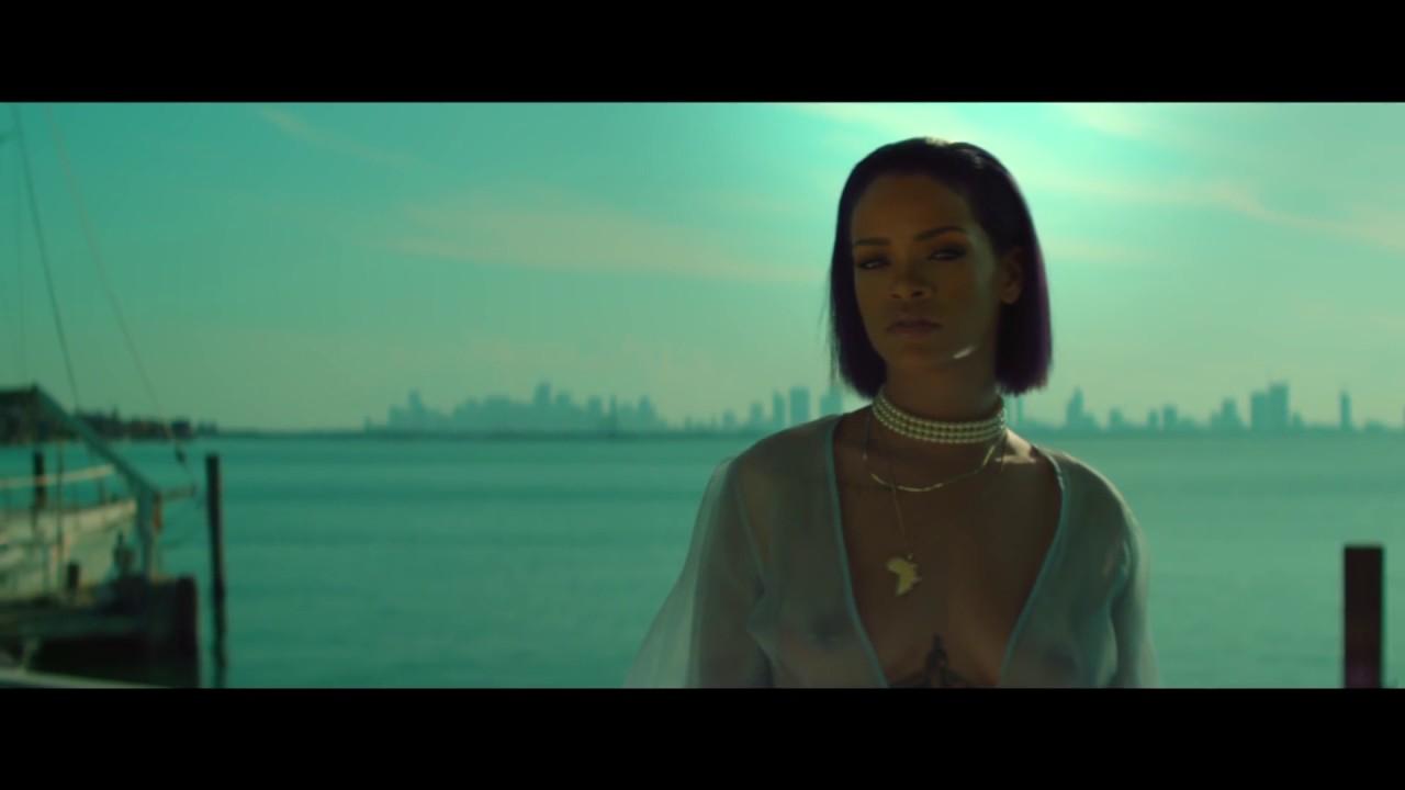 Смотреть сексуалная видео рианна 2012