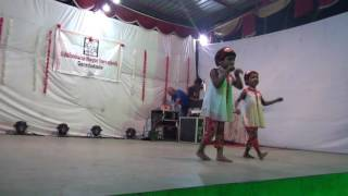 Gambar cover Sahiti and Dharini Chicken Kuk Doo Koo Performance Bajarangi Bhaijaan