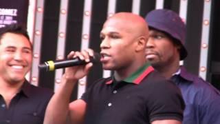 Download Floyd Mayweather insults Oscar de la Hoya Mp3 and Videos