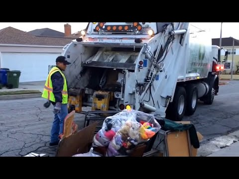 UWS, Annual bulky item clean up