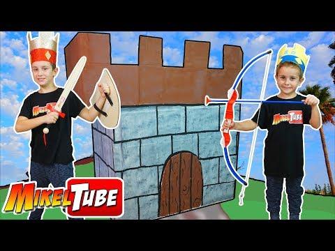 👑 Leo construye su Castillo 🏰 de Carton!
