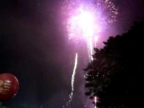Thành phố Hải Phòng bắn pháo hoa chào đón xuân Canh Dần 2010