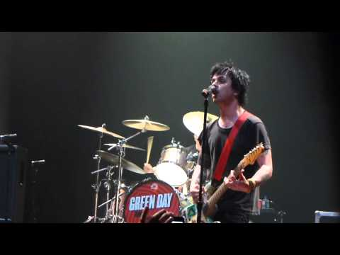 "Green Day - ""Burnout"" @ SXSW 2013"