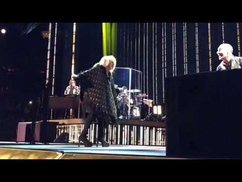 Stevie Nicks - &39;Stand Back&39; - Madison Square Garden - NYC - 12116