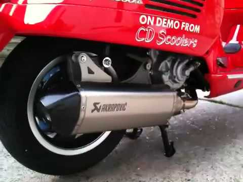 vespa gts 300 with akrapovic exhaust youtube. Black Bedroom Furniture Sets. Home Design Ideas