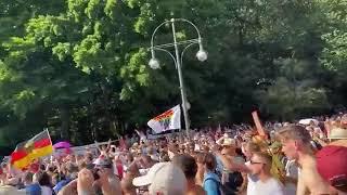 Multitudinaria manifestación en Berlín contra las restricciones por el coronavirus.