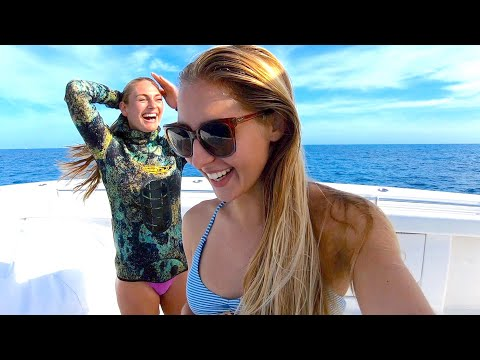 Girlfriend And I Spearing Fish In Bahamas With Pole Spear