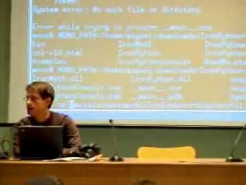 Miguel de Icaza en el Aula Magna de la Universidad de Barcelona