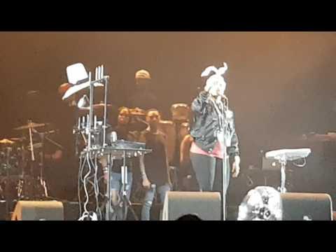 Erykah Badu at the North Sea Jazz festival 2017 -Tyrone (part 2)