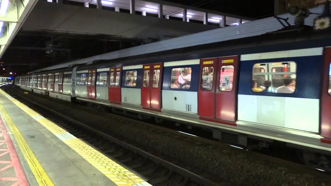 往上水嘅尾班車 駛入及駛離九龍塘站1號月臺 + 另一架港鐵東鐵線MLR列車 駛入2號月臺 - YouTube