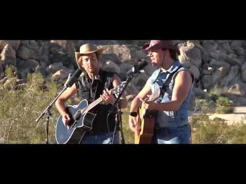 A horse with no name (America Cover) Blonde Brothers Live - Joshua Tree Desert (California)