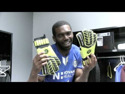 NFL Superstar Randy Moss Signs with the Charlotte Independence