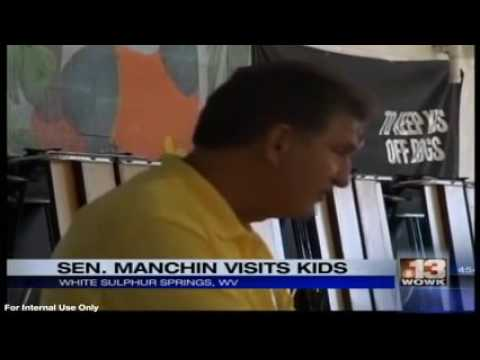 WOWK: Manchin Visits with Energy Express Students in White Sulphur Springs