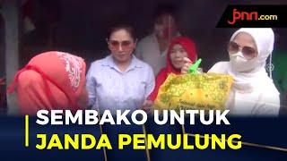 Sahabat Kartini Berbagi Dengan Janda Pemulung di Bekasi - JPNN.com