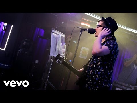Fall Out Boy - Uptown Funk (Mark Ronson ft Bruno Mars cover in the Live Lounge)