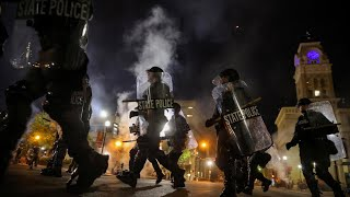 Police shot during Breonna Taylor protests in Louisville, Kentucky