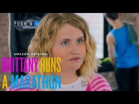 Brittany Runs A Marathon - Best Friend Test with Jillian Bell and Michaela Watkins   Amazon Studiosиз YouTube · Длительность: 3 мин52 с