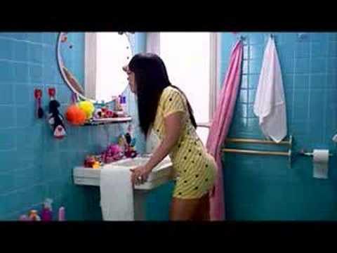 teen in bathroom - YouTube