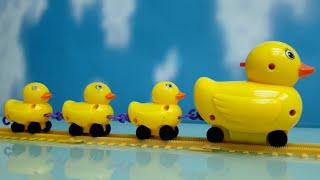 เพลงเป็ด อาบน้ำในคลอง  | แม่เป็ด และลูกเป็นวิ่งบนรางรถไฟ