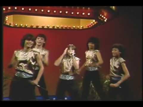 El video de vicky xipolitakis devolviendo los favores cuando empezaba en la tvhearts - 2 9