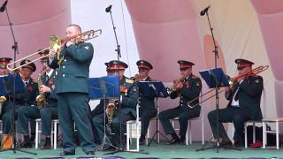 Военный оркестр Южно-Сахалинска.Тромбон