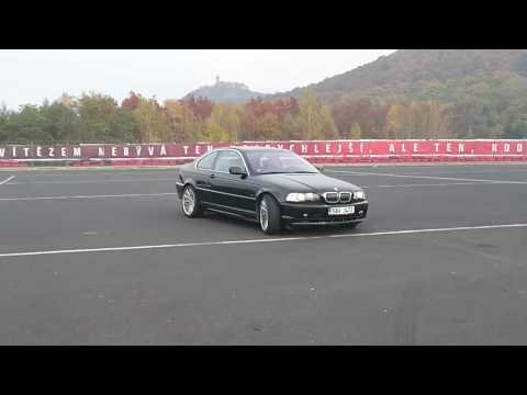 Drifting with stock E46 325ci