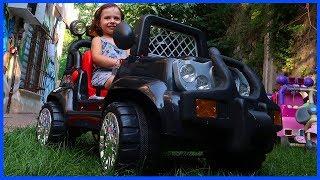 Akülü Arabamızı Bahçeye Getirdik, Bahçede Akülü Araba Keyfi Yaptık | Çocukl Videosu