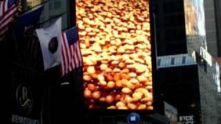 m werbung am times square in new york nov 2008