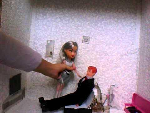 Видео как куклы занимаются сксами фото 590-382