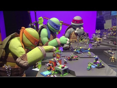 Mega Bloks Teenage Mutant Ninja Turtles & Kubros Unboxings from New York Toy Fair 2016   Mattel