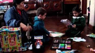 Regalos de Mama Lili a Isa y Roro.(30-06-2011) 005.MPG