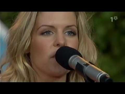 Sofia Karlsson - Spelar för livet (Allsång på Skansen, 2007)