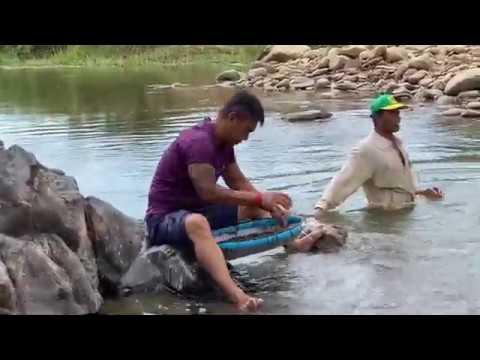 Bar Pailin stones mining    បង General រក ត្បូងតាមមាត់ស្ទឹង ខេត្តប៉ៃលិន