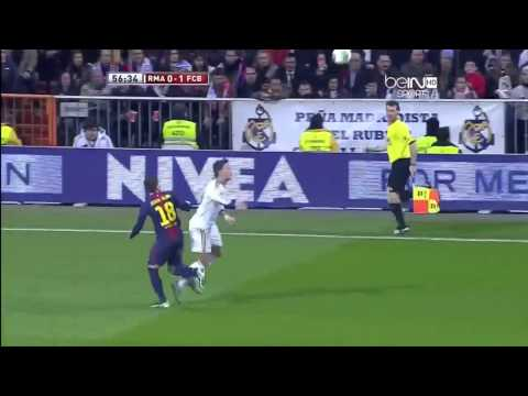Mesut Özil magical control vs. FC Barcelona
