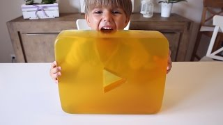 Gummy Gold Play Button from YouTube - Sweet Treat