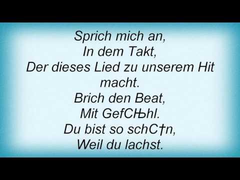 M.I.A. - Tanz Der Molekule Lyrics