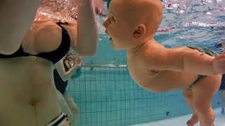 CAN NEWBORN BABY SWIM AND NOT DROWN? Puede recién nacido bebé nadar sin ahogarse?