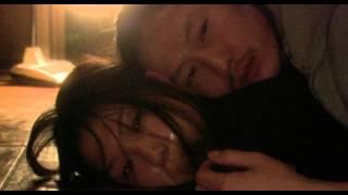 子供を殺して逃げる若い男女、リンゴオ(内藤)と伊奈子(室井)。1982...