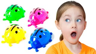 Liza fun plays with slimes | SKORIKI