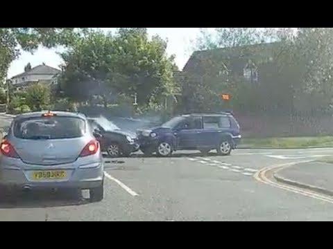 Download Youtube: UK Bad Driving Dash Cam Compilation November 17