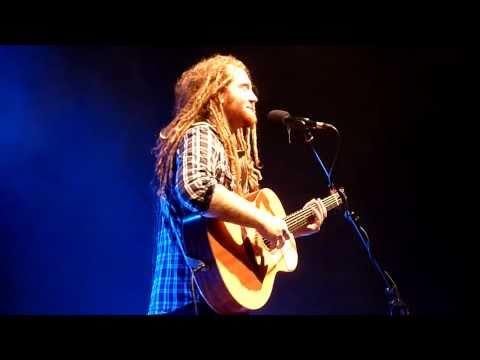 Newton Faulkner - Teardrop - Live in Lerwick