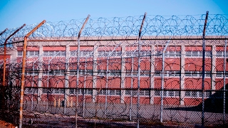 NYC mayor endorses Rikers shutdown plan