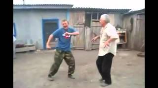 Мужики танцуют, баба ржёт.(, 2016-01-09T12:24:45.000Z)