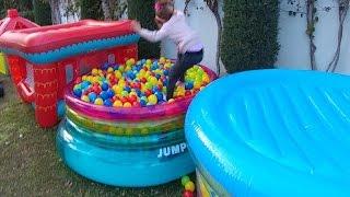 Video 2500 top ve 3 top havuzu , eğlenceli çocuk videosu download MP3, 3GP, MP4, WEBM, AVI, FLV November 2017