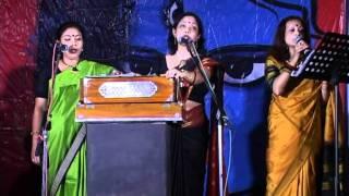 Gorey gorey .... bankey chhorey .... sung by Mouli, Ranjani and Amrita - BANGLA GANER SPONDON