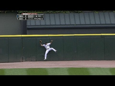 Eaton's spectacular catch at the wall