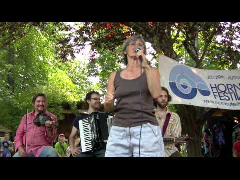 FIDDLE DANCE LESSON with JUNE CANNON ~~ A 'FREEVIEW' HORNBY ISLAND FESTIVAL EVENT from 2010