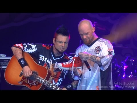 Five Finger Death Punch - Remember Everything (St.Petersburg, Russia, 01.07.15)