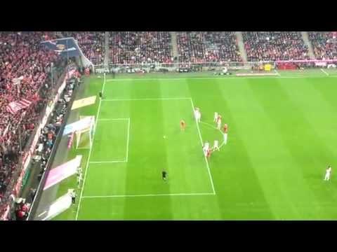 Robben Penalty Bayern Munchen v Schalke 04