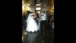 Танец жениха и невесты))))